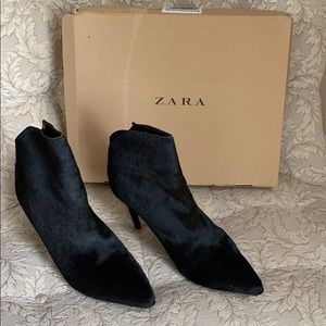 Zara Size 9 (European 40) Black Faux Fur Booties